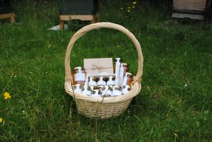 Dr Beekeeper Luxury Hamper